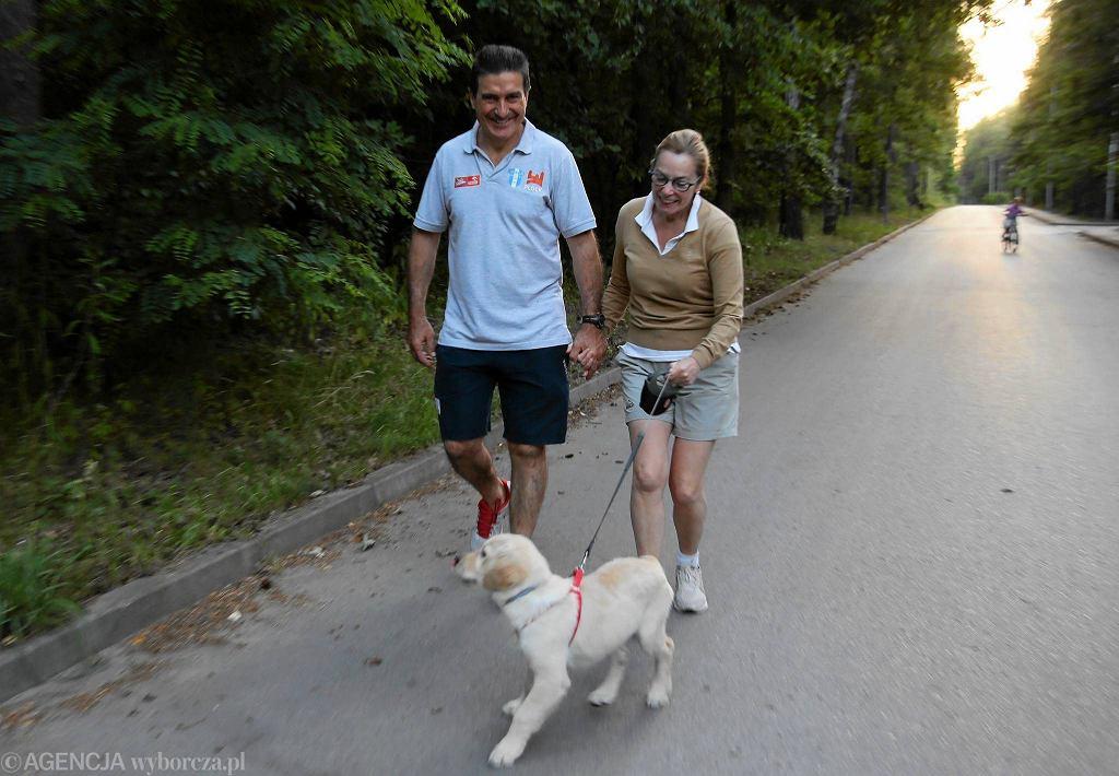 Carmen i Manolo Cadenas na spacerze w Cekanowie