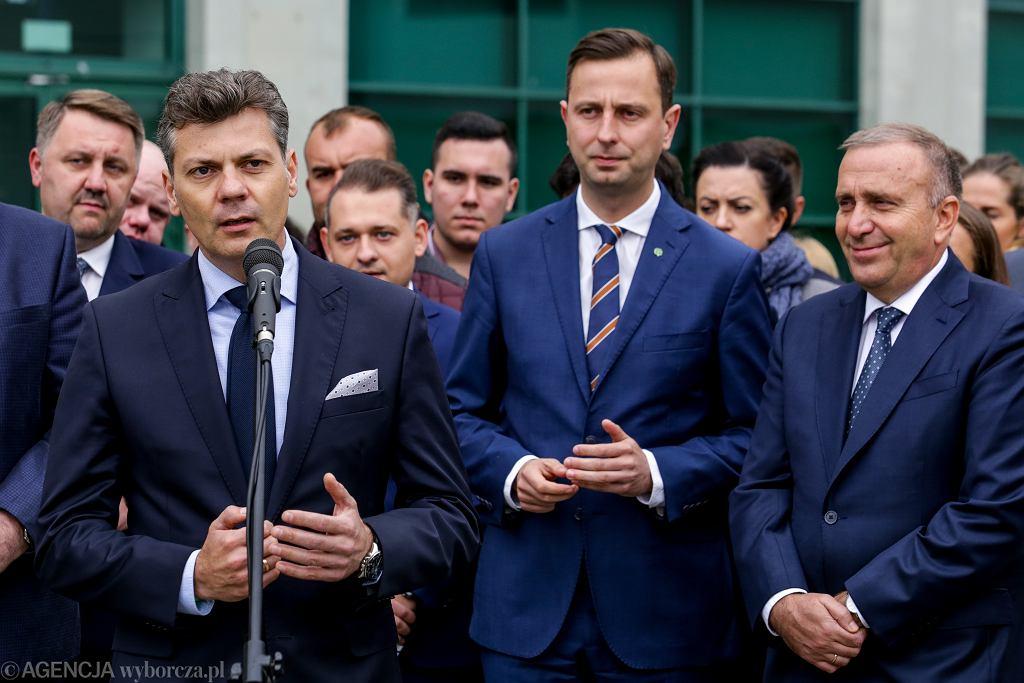 Oficjalne wyniki wyborów samorządowych 2018. Mariusz Wołosz (po lewej) został nowym prezydentem Bytomia