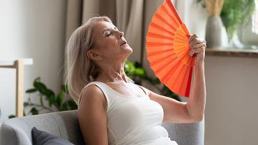 Menopauza: związane z nią uciążliwości większość kobiet znosi z pokorą.