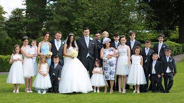 Rodzina Radfordów - na zdjęciu w dniu ślubu najstarszej córki i matki dwójki własnych dzieci