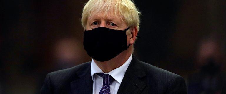Wielka Brytania. Johnson ogłasza restrykcje. Decyzję poparli lekarze