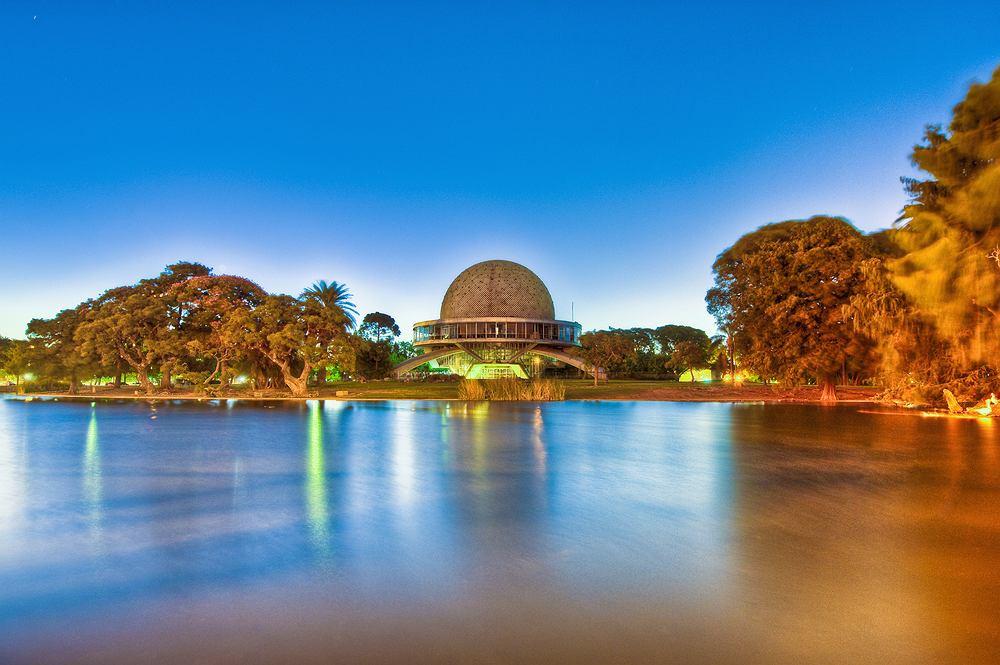 Buenos Aires Palermo - Planetarium / Shutterstock