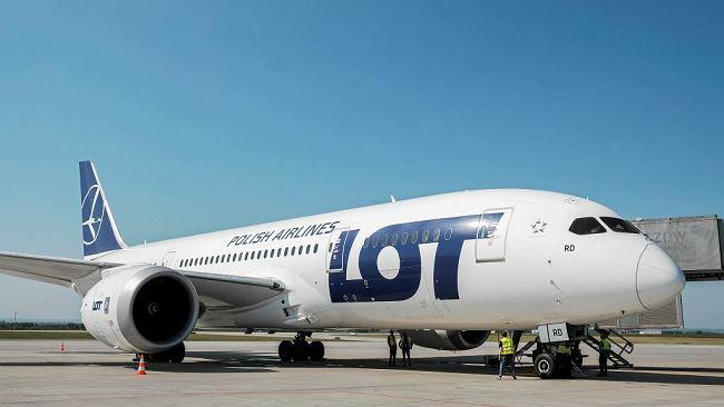 PLL LOT przekładają inaugurację w Pekinie na styczeń. Powodem uziemione Dreamlinery