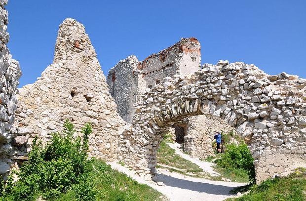 Słowackie zamki - Cachticky hrad / fot. Janos Korom CC BY-SA / Flickr.com