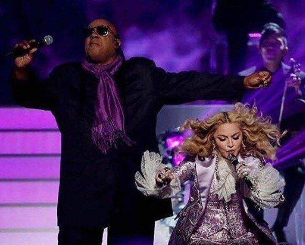 Madonna i Stevie Wonder podczas Billboard Music Awards