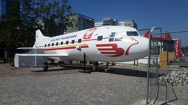 Samolot na pl. Defilad