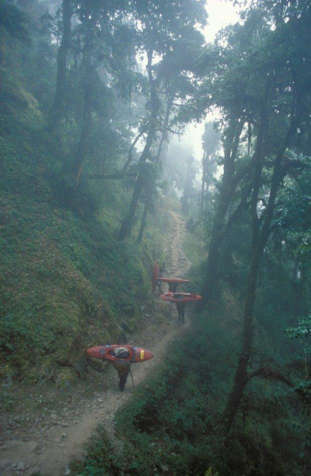 Szlak nad Dudh Kosi, Nepal, 2003 fot. Tomasz Jakubiec