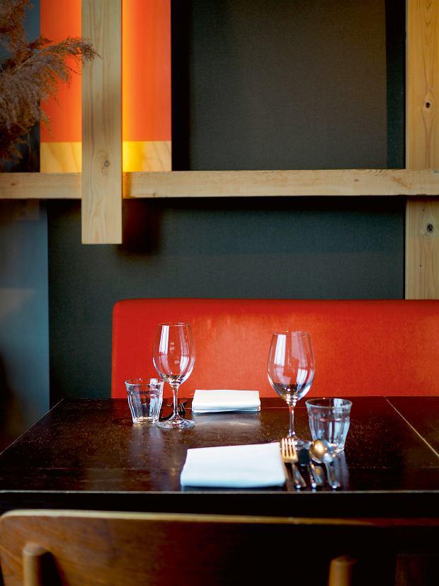 Amsterdam, minimalistyczny wystrój restauracji Choux - tu podaje się dania kuchni holenderskiej