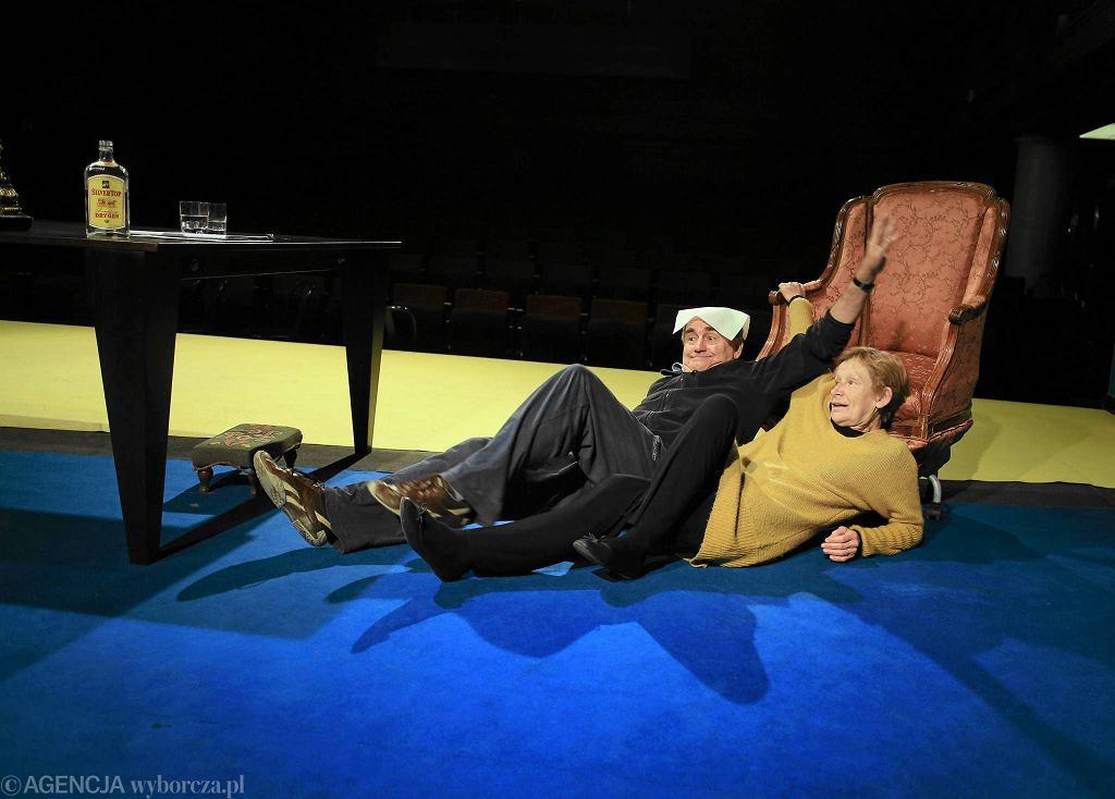 Jadwiga Jankowska-Cieślak i Jan Peszek na próbie spektaklu 'Kto nas odwiedzi' w Och-Teatrze / JACEK MARCZEWSKI