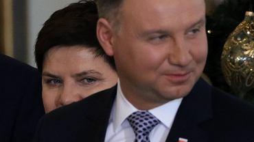 Była premier (już zdegradowana do wicepremier) Beata Szydło i prezydent Andrzej Duda podczas uroczystości rekonstrukcji rządu PiS. Warszawa, 9 stycznia 2018