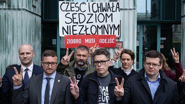 Demonstracja wsparcia dla sędziego Igora Tulei pod Sądem Najwyższym