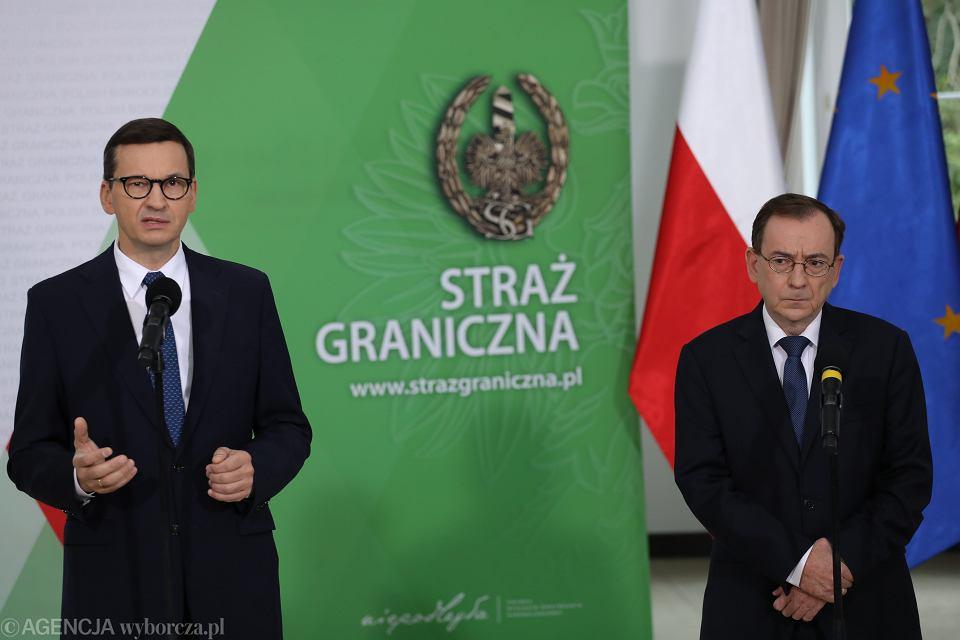 Konferencja prasowa w Komendzie Głównej Straży Granicznej z udziałem premiera Mateusza Morawieckiego i ministra spraw wewnętrznych i administracji Mariusza Kamińskiego, 20 września 2021 r.