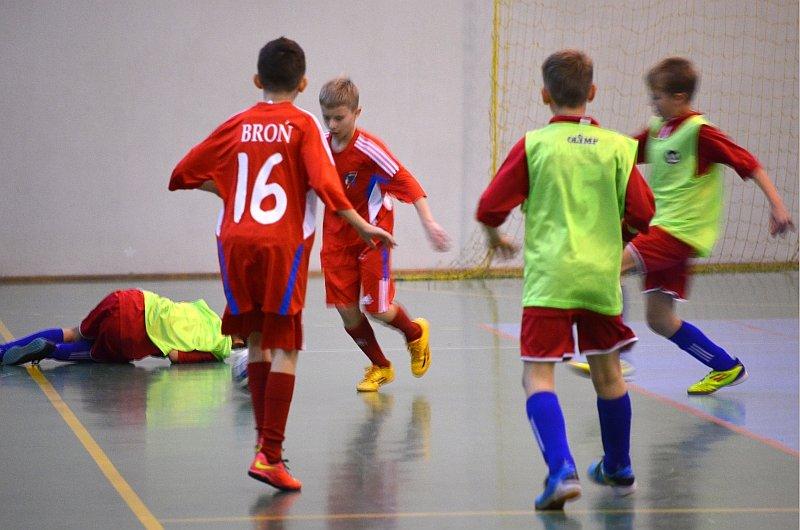 Halowa piłka nożna dzieci