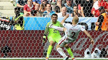 Michał Pazdan i Łukasz Fabiański w trakcie meczu Polska - Szwajcaria