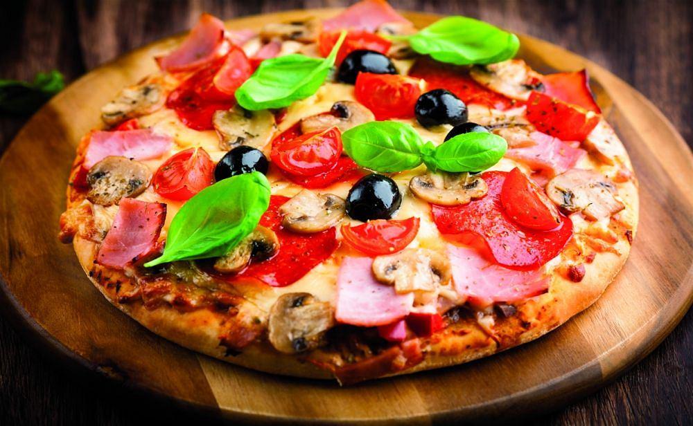 Pizza z mąki 'Domowa Piekarnia'