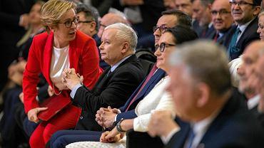 Konwencja PiS w Katowicach. Jarosław Kaczyński i Jadwiga Wiśniewska