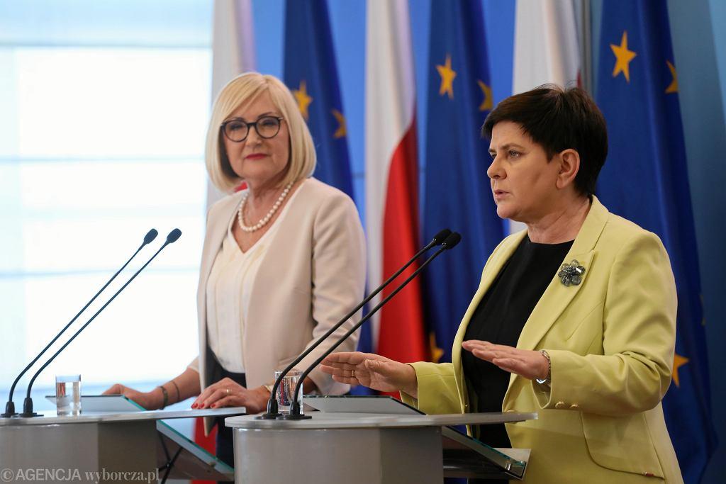 Beata Szydło chce kontynuować rozmowy z nauczycielami. Liczy, że podpiszą porozumienie, bo 'jest dobre'