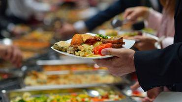 Nawyki żywieniowe Polaków mocno odbiegają od zaleceń dietetyków i ekspertów od żywienia