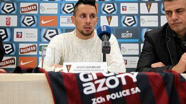 Adam Gyurcso podczas konferencji prasowej po podpisaniu przez kontraktu z Pogonia