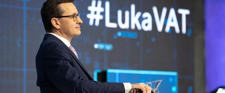 """Luka VAT. Ekonomista miażdży retorykę premiera: """"Kłamstwa vatowskie są aż cztery"""""""