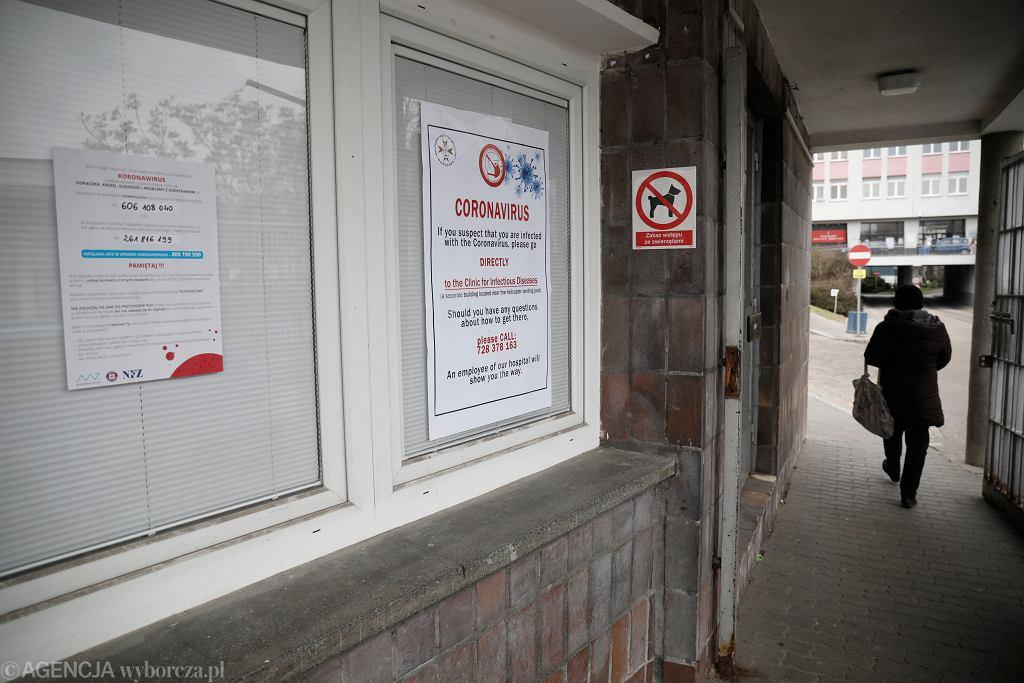 Epidemia koronowirusa. Wojskowy Instytut Medyczny (Szpital przy ul. Szaserów). Warszawa, 6 marca 2020