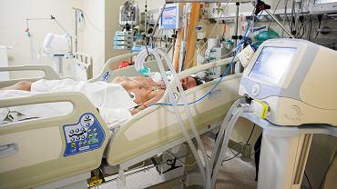 Pacjent pod respiratorem
