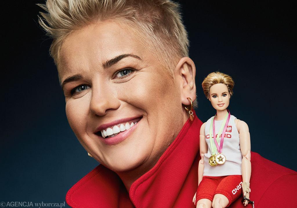 Anita Włodarczyk i przygotowana przez firmę Mattel lalka Barbie