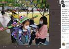 W Chinach uczniowie wracają do szkół. Noszą nietypowe, metrowe czapki
