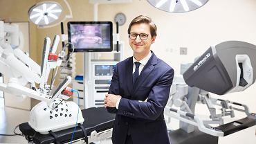 Dr Łukasz Nyk