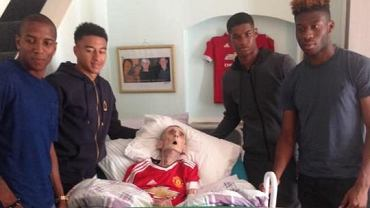 Piłkarze Manchesteru United odwiedzają chorego kibica