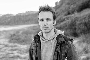 """Markus Zusak: Moja mama jest sprzątaczką. Sprzedałem 16 mln egzemplarzy """"Złodziejki książek"""", w której wykorzystałem jej opowieści"""