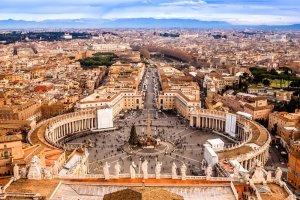Dreamlinerem do Rzymu. Ostatnie wolne miejsca w samolotach LOT-u na kanonizację