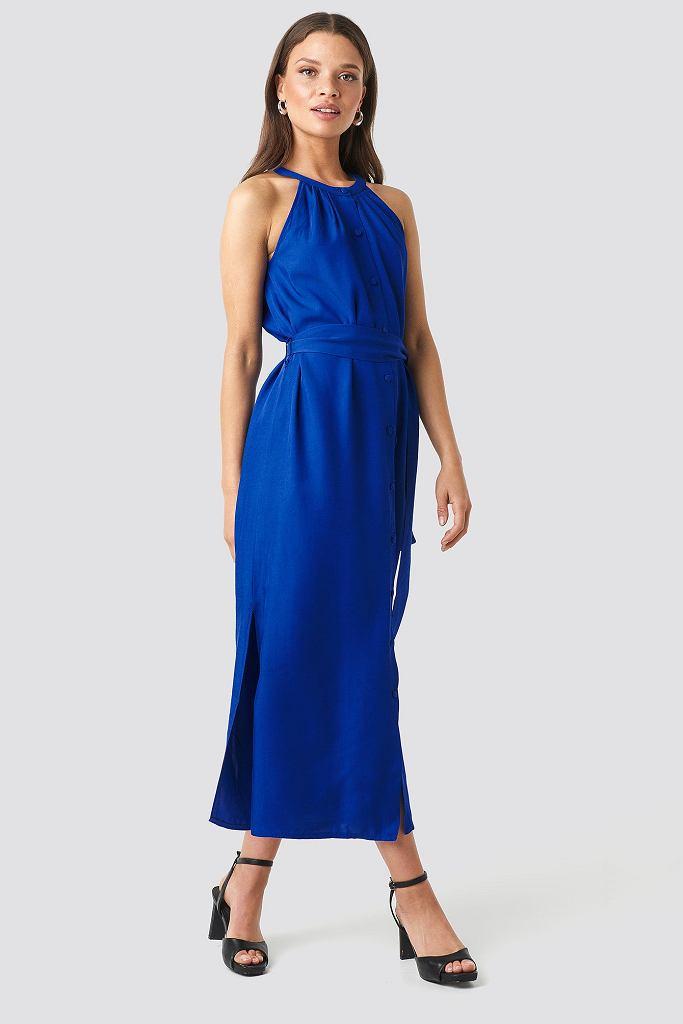 Elegancka sukienka w chabrowym kolorze
