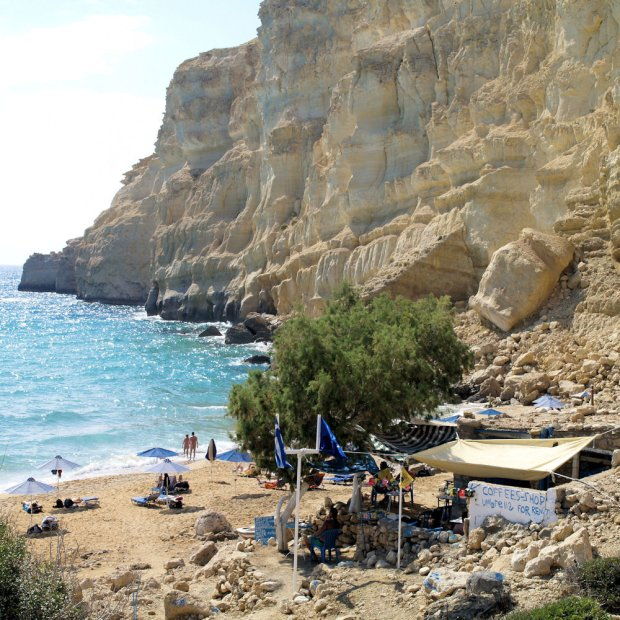 Grecja. Plaża nudystów Red Beach Matala, Kreta / fot. CC BY-ND 2.0/ Alli Hardarson/ Flickr.com