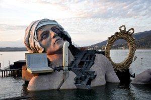 """Festiwal w Bregencji. """"Czarodziejski flet"""" w imponującej scenografii na Jeziorze Bodeńskim"""