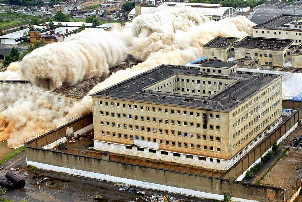 Burzenie więzienia Carandiru, 8 grudnia 2002