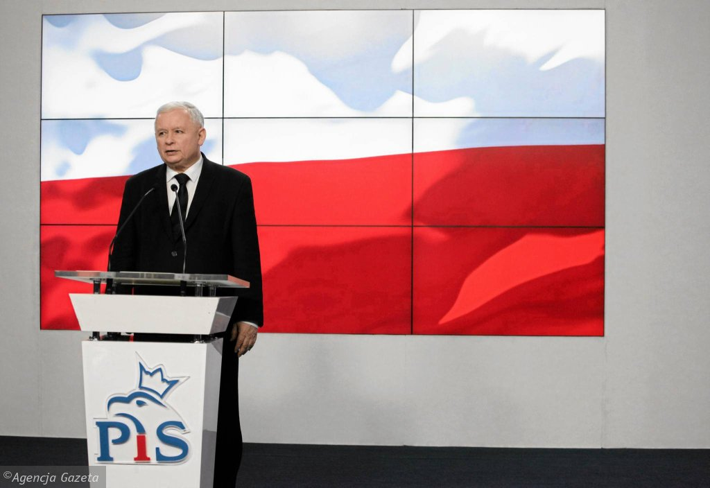 Prezes PiS Jarosław Kaczyński wczoraj na konferencji prasowej wypowiadał się pojednawczo. Według opozycji to tylko gest wizerunkowy