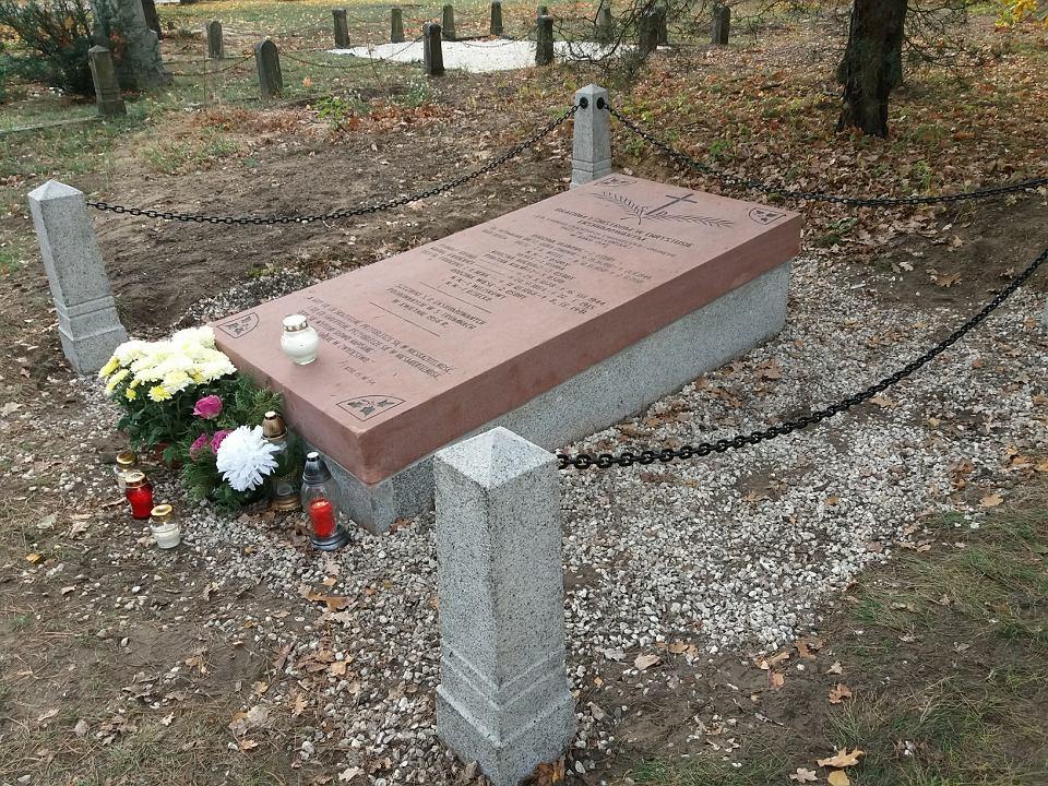 Ewangelickie groby na cmentarzu przy Zaświacie jak nowe [ZDJĘCIA]