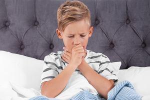 Zapalenie płuc u dziecka - wirusowe i bakteryjne. Co warto wiedzieć? [objawy, leczenie]