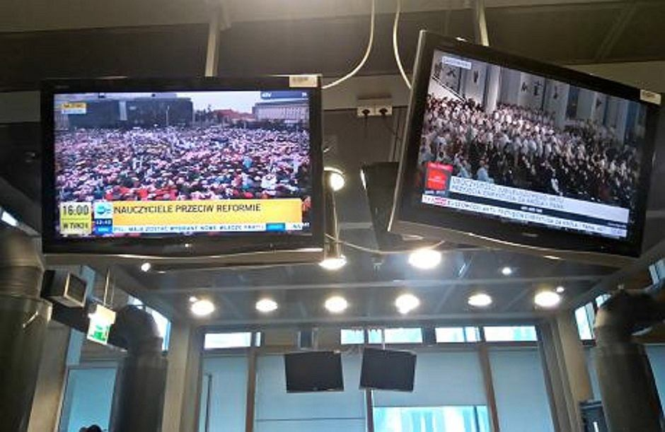 TVP Info i TVN24 relacjonują protest nauczycieli