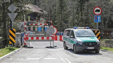 Słowacja. Policja rozpoczęła intensywne kontrole na granicy. Zamknięto część przejść z Polską