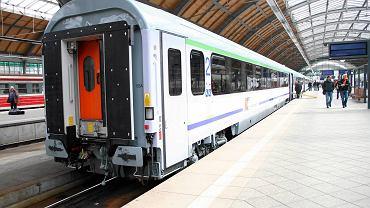Epidemia koronawirusa. Sanepid szuka pasażerów pociąu/zdjęcie ilustracyjne