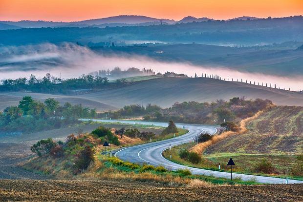 Jesienna Toskania o zachodzie słońca / fot. Shutterstock