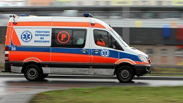 Karetka pogotowia ratunkowego. Zdjęcie ilustracyjne