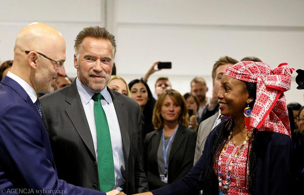 Arnold Schwarzenegger i Hindou Oumarou Ibrahim