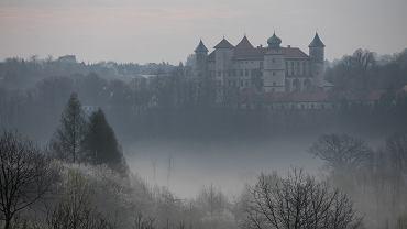 Mgła w Nowym Wiśniczu (zdjęcie ilustracyjne)