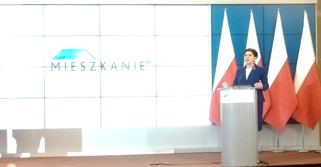 Pani premier, Beata Szydło, w czasie konferencji prasowej ws. programu Mieszkanie+