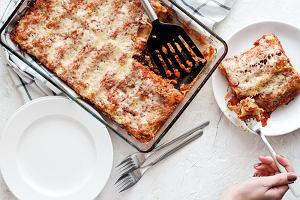 Co to jest cannelloni? Przepis na cannelloni w dwóch wersjach - mięsnej i wege