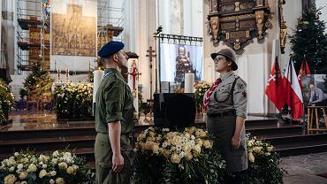 Urna z prochami Pawła Adamowicza w Bazylice Mariackiej
