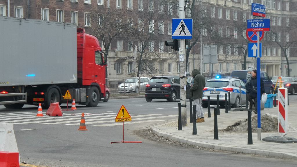 Wypadek na rogu ul. Czerniakowskiej i Gagarina